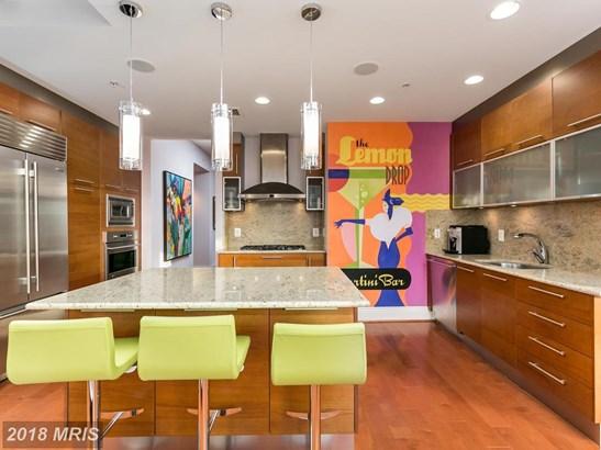 Hi-Rise 9+ Floors, Art Deco - RESTON, VA (photo 4)