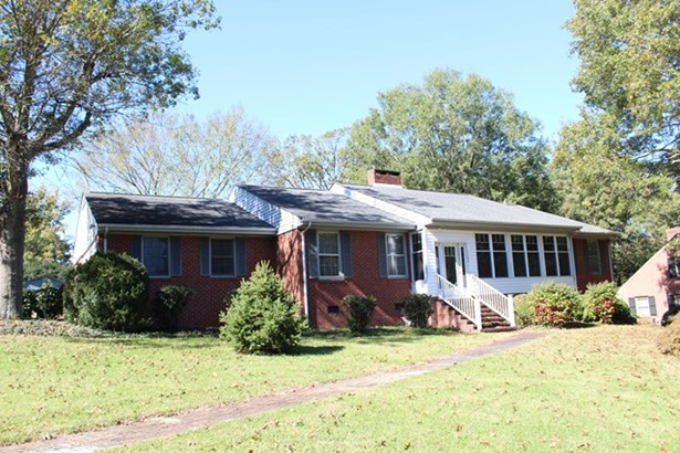 Ranch, Single Family - South Boston, VA (photo 1)