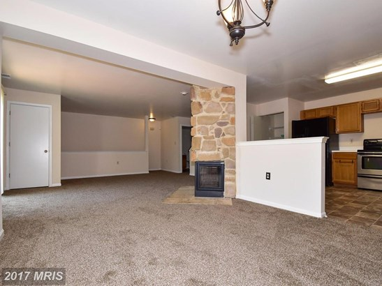 Townhouse, Contemporary - RANDALLSTOWN, MD (photo 4)
