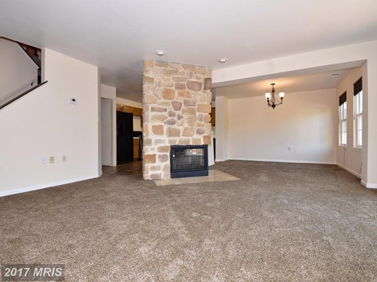 Townhouse, Contemporary - RANDALLSTOWN, MD (photo 5)