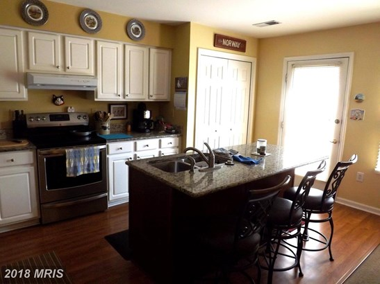 Townhouse, Colonial - FALLING WATERS, WV (photo 5)