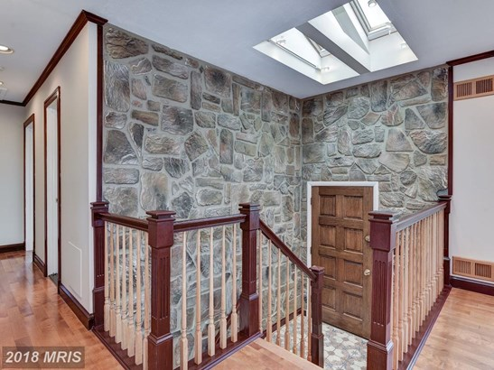 Split Foyer, Detached - BURTONSVILLE, MD (photo 3)