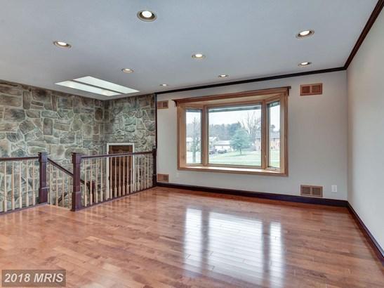 Split Foyer, Detached - BURTONSVILLE, MD (photo 5)
