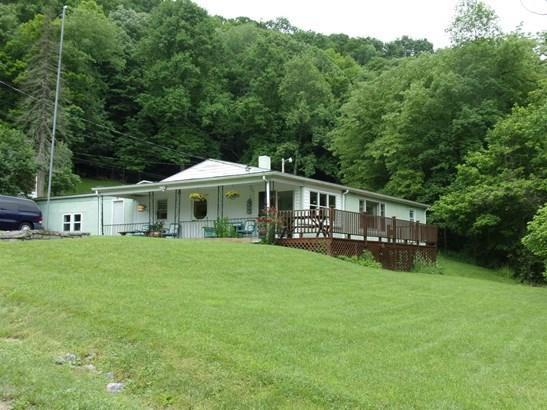 Bungalow/Cottage, Ranch, Detached - Pembroke, VA (photo 1)