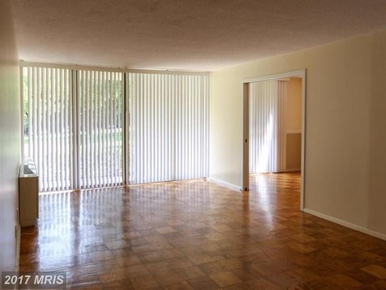 Hi-Rise 9+ Floors, Contemporary - COLLEGE PARK, MD (photo 4)