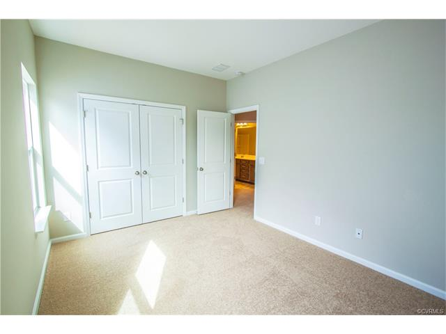 Tri-Level/Quad Level, Single Family - Henrico, VA (photo 2)
