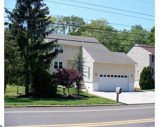 Colonial, Detached - LANGHORNE, PA (photo 2)