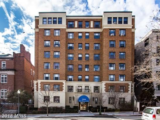 Mid-Rise 5-8 Floors, Traditional - WASHINGTON, DC (photo 1)