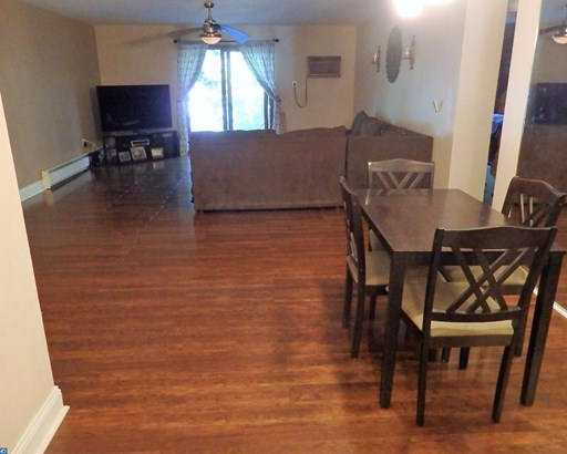 Colonial,Traditional, Unit/Flat - HAVERTOWN, PA (photo 4)