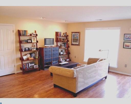 Unit/Flat, Contemporary - ROYERSFORD, PA (photo 2)
