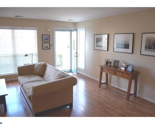 Unit/Flat, Contemporary - ROYERSFORD, PA (photo 5)