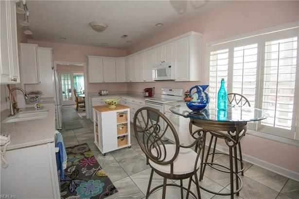 Contemp, Cottage, Single Family - Norfolk, VA (photo 4)