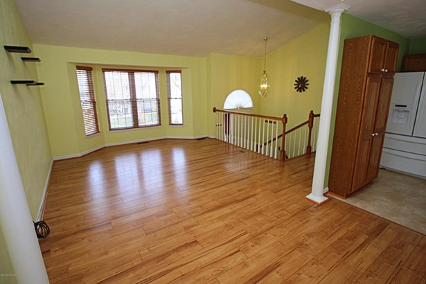 Split Foyer, Detached - Vinton, VA (photo 5)