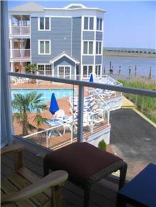 Contemporary,Condo,Beach House, Condo - Chincoteague, VA (photo 4)