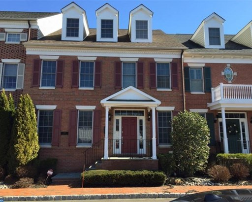 Colonial, Row/Townhouse/Cluster - NEWTOWN, PA (photo 1)
