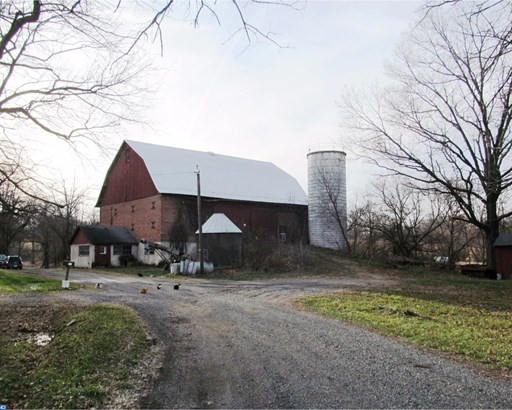 Farm House, Detached - GILBERTSVILLE, PA (photo 5)