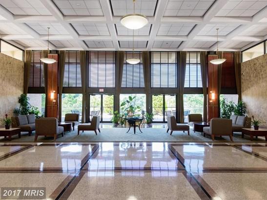 Hi-Rise 9+ Floors, Contemporary - FALLS CHURCH, VA (photo 2)