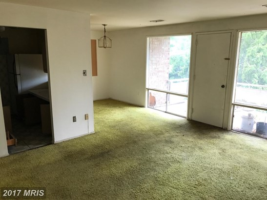 Garden 1-4 Floors, Traditional - OXON HILL, MD (photo 1)