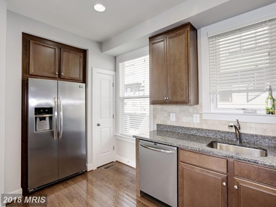Townhouse, Contemporary - FAIRFAX, VA (photo 4)