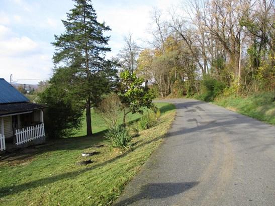 Bungalow/Cottage, Detached - Pulaski, VA (photo 3)