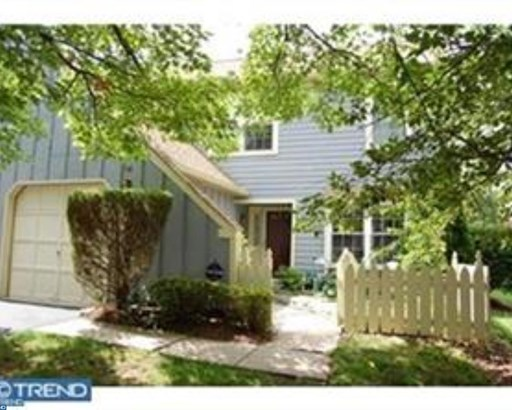 Colonial, Row/Townhouse/Cluster - BLUE BELL, PA (photo 1)