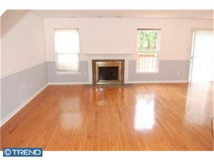Colonial, Row/Townhouse/Cluster - BLUE BELL, PA (photo 2)
