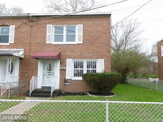 Colonial, Duplex - CAPITOL HEIGHTS, MD (photo 1)