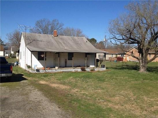 Cottage/Bungalow, Single Family - Blackstone, VA (photo 1)