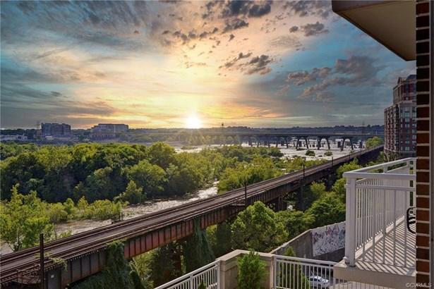 Condo, High Rise - Richmond, VA