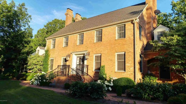 Colonial, Detached - Christiansburg, VA (photo 2)