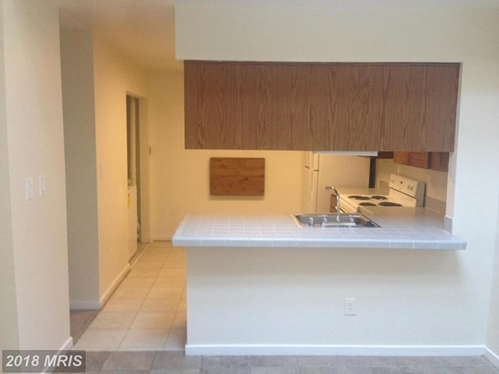 Townhouse, Contemporary - MONTGOMERY VILLAGE, MD (photo 5)