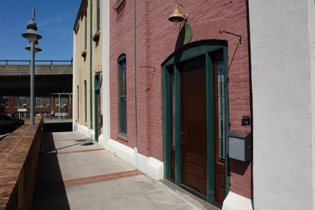 Townhouse - Roanoke, VA (photo 4)