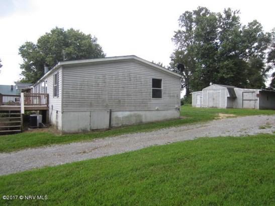 Mobile Home Double, Detached - Pulaski, VA (photo 4)