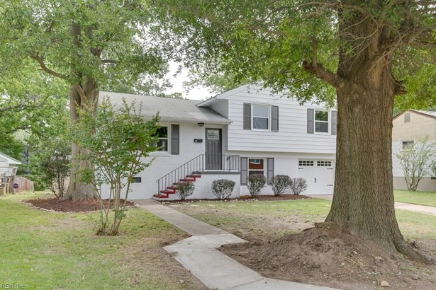 Tri-Level, Single Family - Hampton, VA (photo 1)