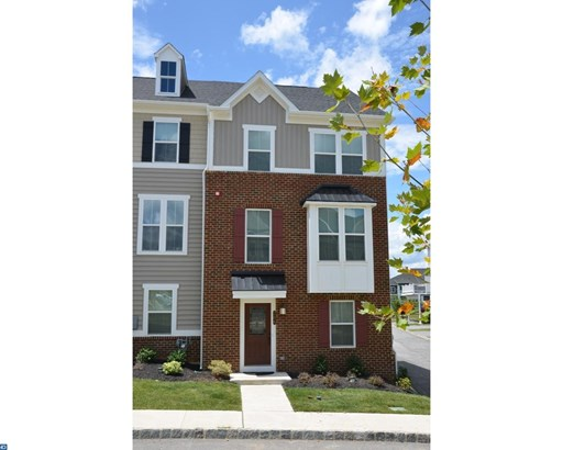 Row/Townhouse/Cluster, Contemporary - MALVERN, PA