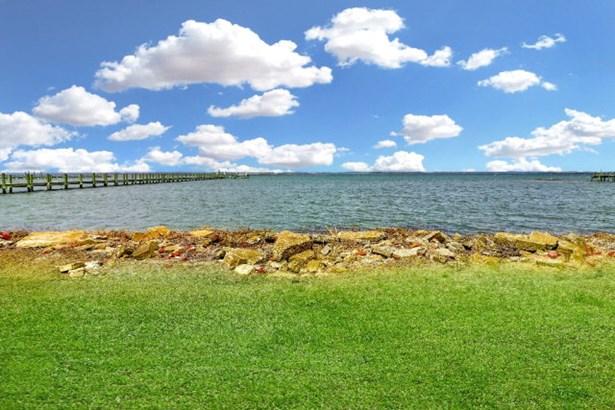 Cape Cod,Beach House, Single Family - Chincoteague, VA (photo 3)