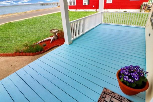Cape Cod,Beach House, Single Family - Chincoteague, VA (photo 4)