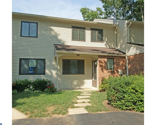Colonial, Row/Townhouse/Cluster - CHESTERBROOK, PA (photo 1)