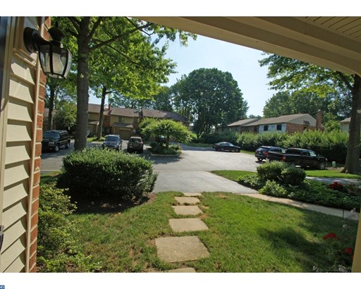 Colonial, Row/Townhouse/Cluster - CHESTERBROOK, PA (photo 2)