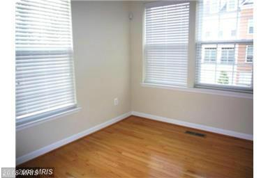 Townhouse, Contemporary - SUITLAND, MD (photo 4)