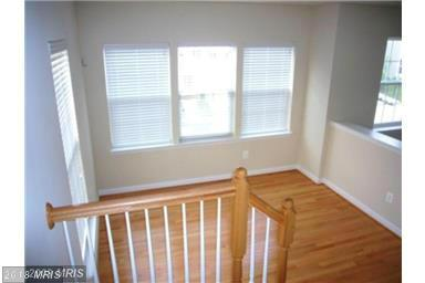 Townhouse, Contemporary - SUITLAND, MD (photo 5)