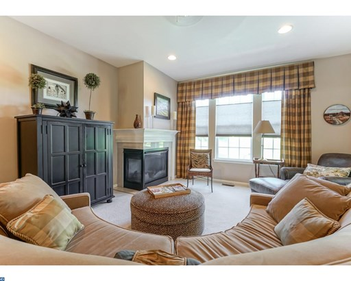 Row/Townhouse, Colonial,Traditional - WESTAMPTON TWP, NJ (photo 4)