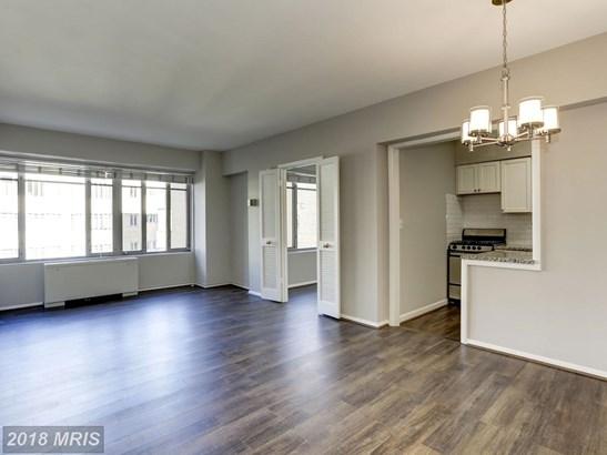 Mid-Rise 5-8 Floors, Contemporary - WASHINGTON, DC (photo 3)