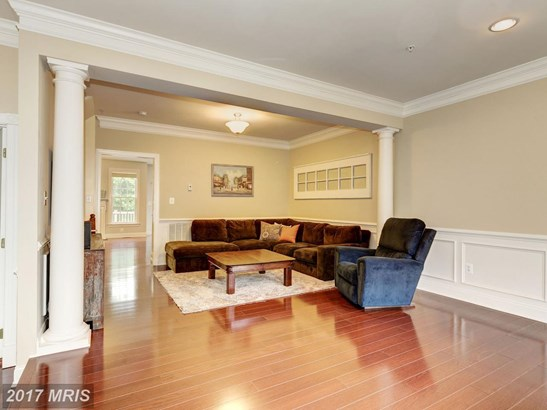 Colonial, Attach/Row Hse - HANOVER, MD (photo 2)