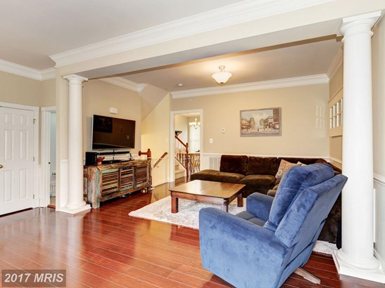 Colonial, Attach/Row Hse - HANOVER, MD (photo 4)