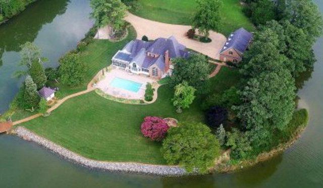 2-Story, Colonial, Single Family - Mathews, VA (photo 1)