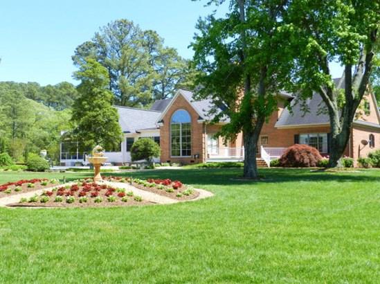 2-Story, Colonial, Single Family - Mathews, VA (photo 3)