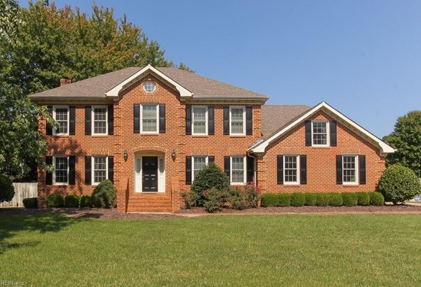Transitional, Single Family - Virginia Beach, VA (photo 1)