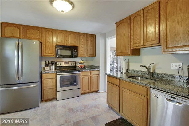 Townhouse, Contemporary - MONTGOMERY VILLAGE, MD (photo 4)