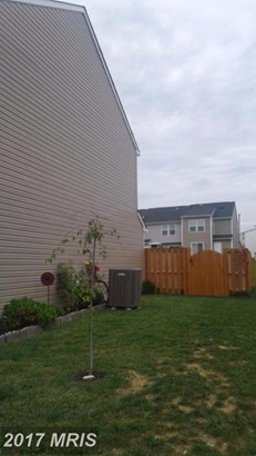 Townhouse, Traditional - MARTINSBURG, WV (photo 3)